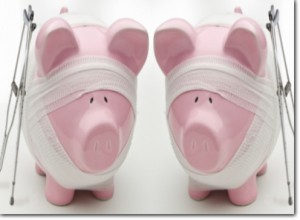 injured-piggy-bank-with-crutches_w