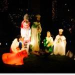 A nativity scene in Portland, Oregon (Source: Wikimedia Commons)